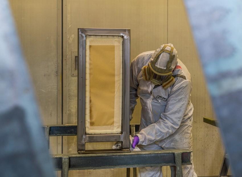 Ontvetten van werkstukken voor het coaten - oppervlaktebehandeling