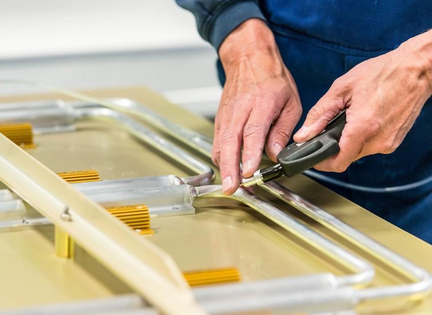 Naast ruim 60 jaar ervaring in deze specifieke sector, beschikt West End over Clean Room faciliteiten en de mogelijkheid om testen in onze machinefabriek uit te voeren